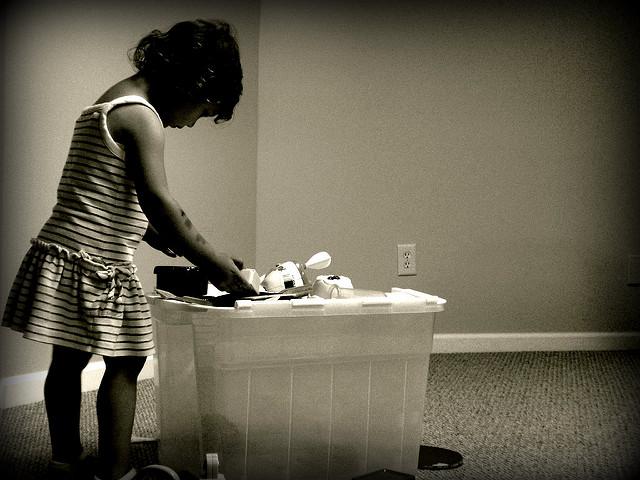 umzug mit kindern kleinkindern und babys jobruf. Black Bedroom Furniture Sets. Home Design Ideas